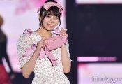 【悲報】小林由依さん、ピンクが絶望的に似合わないと指摘されてしまう・・・